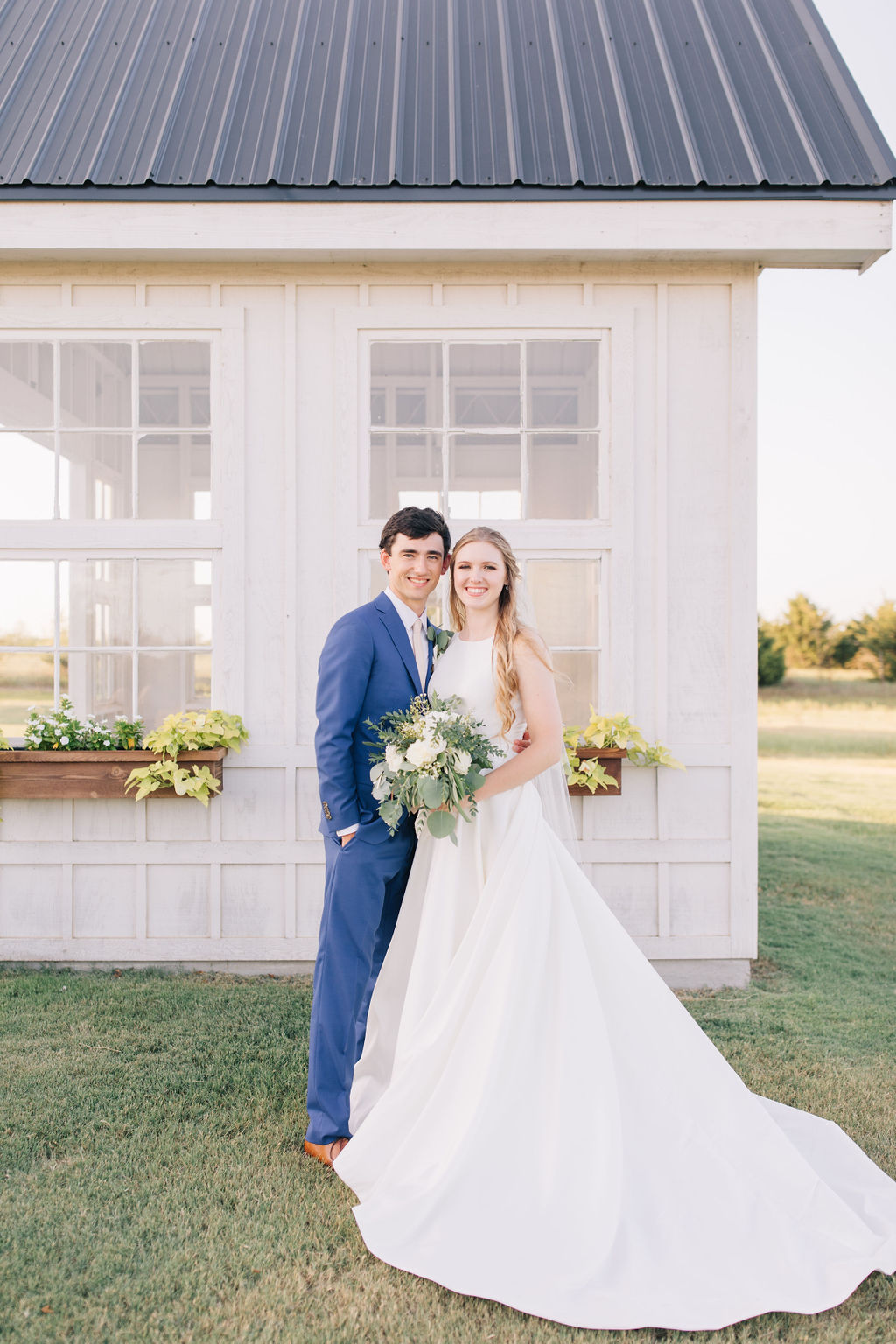 light-and-airy-dallas-fortworth-wedding-photography-bushel-peck13