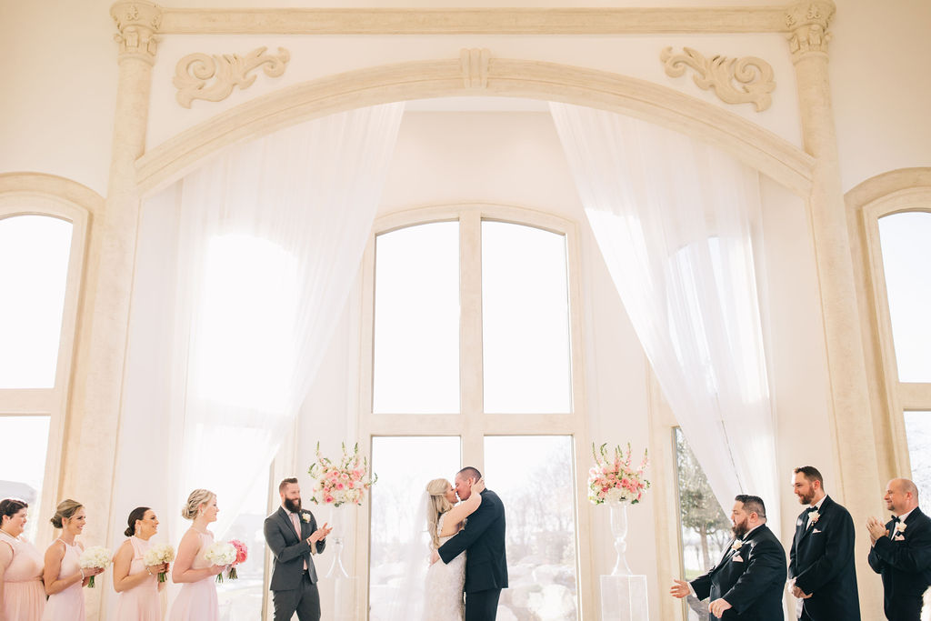light-and-airy-dallas-fortworth-wedding-photography-bushel-peck15