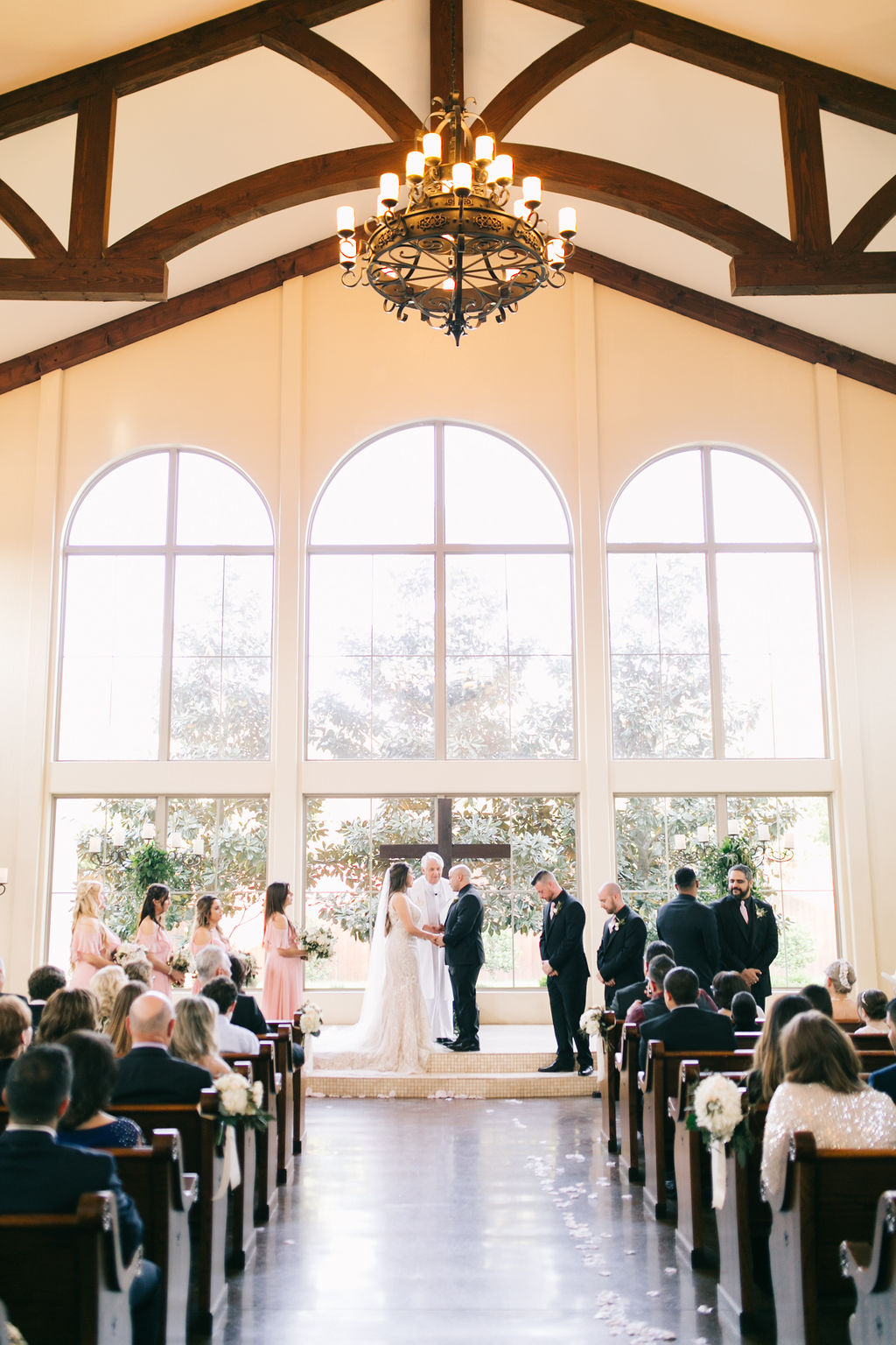 light-and-airy-dallas-fortworth-wedding-photography-bushel-peck2